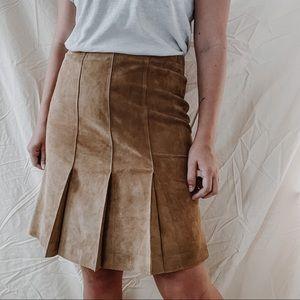 LOFT   Vintage Brown Suede Leather Pleated Knee Length Skirt Sz 4